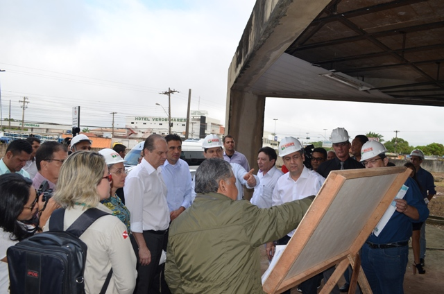 Ricardo Barros visitou unidades de saúde do estado e foi até a obra do Hospital Metropolitano. Fotos: Graziela Miranda