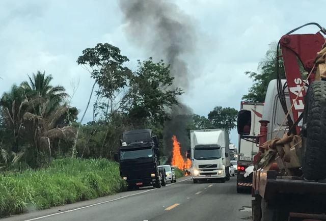 Carro com a família sofreu acidente na BR-010
