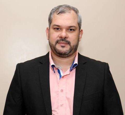 Publicitário Diniz Sena continuará como coordenador de Comunicação