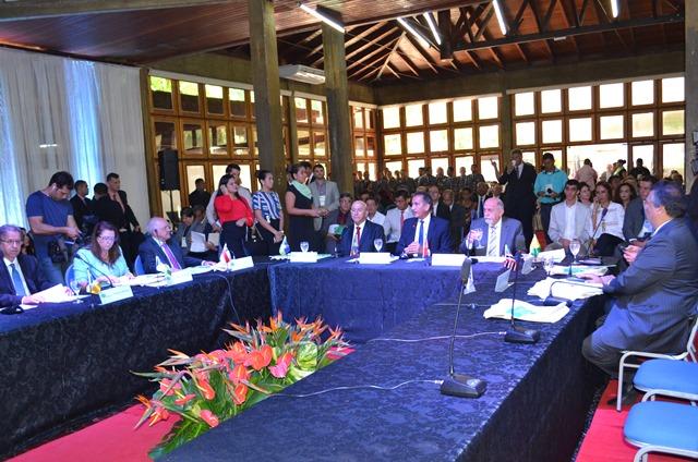Governadores de 8 estados estão em Macapá. Fotos: Cássia Lima