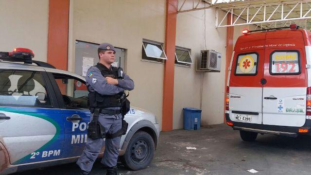 Equipe levou os dois acusados para o Hospital de Emergência de Macapá. Fotos: Olho de Boto