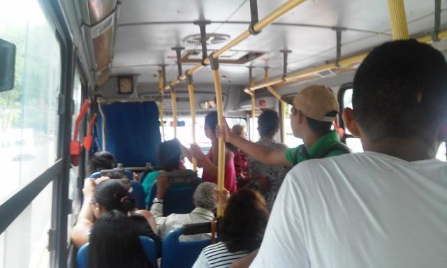 Bnenefício é destinado a estudantes de baixa renda que necessitam do transporte coletivo. Fotos: Cássia Lima