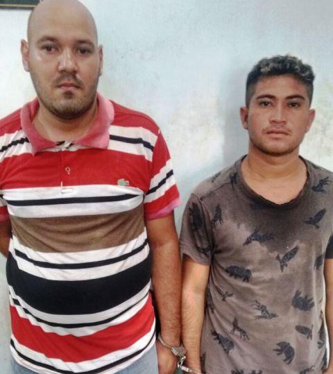 Dupla foi presa ainda com o celular da vítima