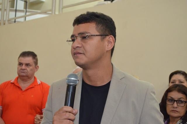 Teles Júnior: contribuição na educação, especialmente na formação de médicos