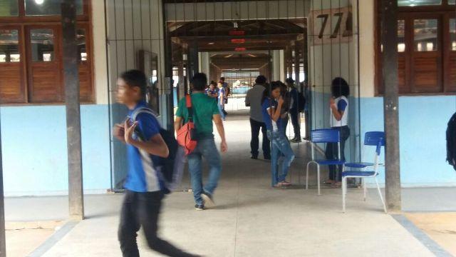 Estudantes não estavam em aula no horário do desabamento