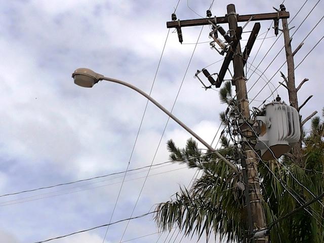 Cerca de 60% do parque de iluminação da cidade está danificado