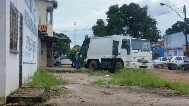 Com pagamento atrasado, empresa realiza operação tartaruga. Fotos: Fernando Santos