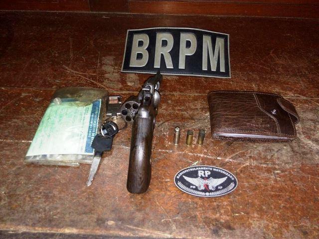 Arma calibre 22 usada pelo bandido. Fotos: Olho de Boto