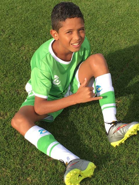 O zagueiro Tiago Medeiros arrancou o empate para o Brasil