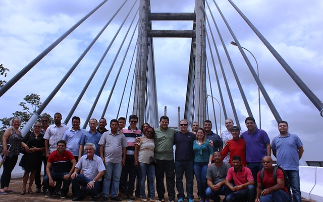 Com representantes dos catraieiros na Ponte Binacional