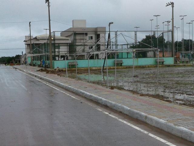 Estrutura sendo montada na Praça 15 de Novembro. Fotos: divulgação