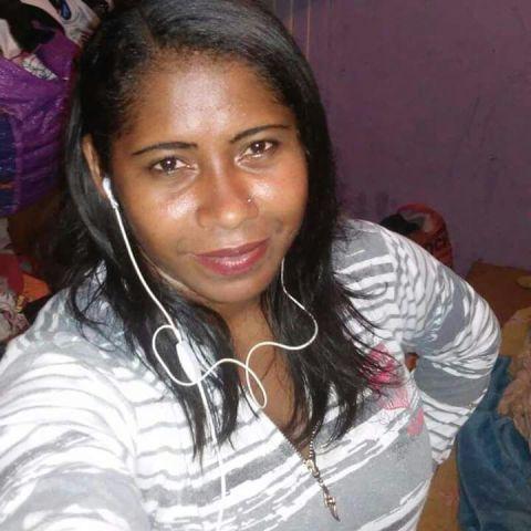 Bruna foi morta aos 26 anos, indo matricular o filho em uma escola