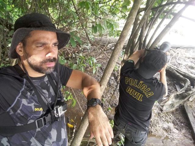 Delegado Charle Corrêa e equipe à espera do coiote. Fotos: Polícia Civil