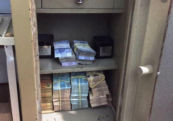 Dinheiro apreendido na operação