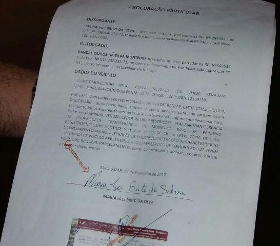 Procurada com selo de cartório copiado de outro documento