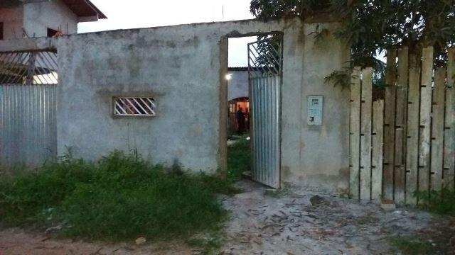 Na residência, policiais encontraram colete balístico e mais um suspeito