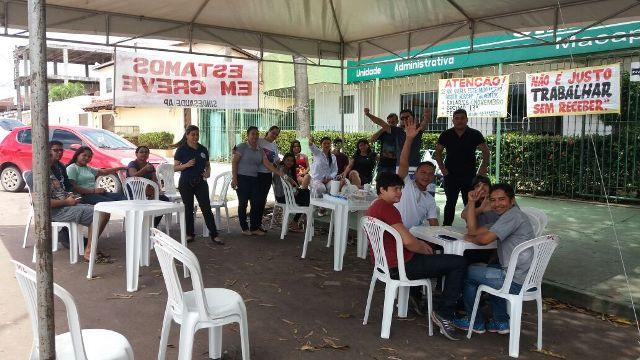Funcionários rejeitam parcelamento de 8 vezes de atrasados. Fotos: André Silva