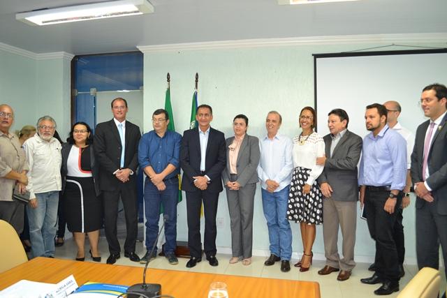 Representantes do Amapá e do Hospital de Barretos