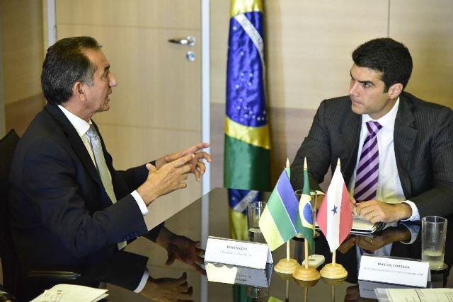 Novo encontro entre o governador Waldez Góes e o ministro da Integração Nacional, Hélder Barbalho, deve definir tramites das obras. Foto: Secom