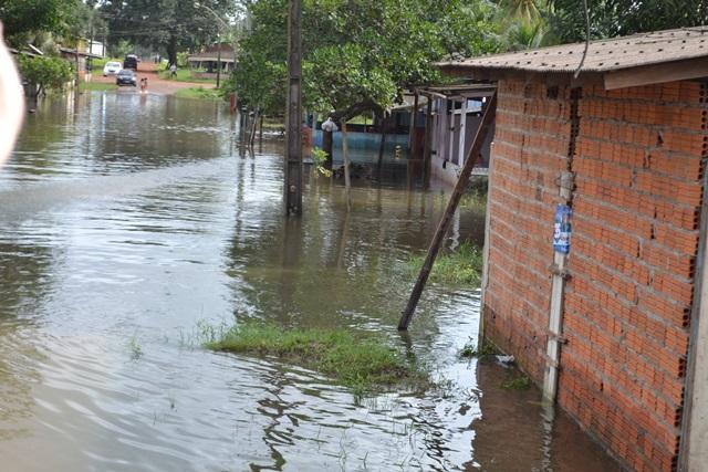 Águas começam a baixar em Calçoene. Fotos: Cássia Lima