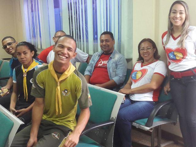 Adultos e jovens da igreja foram doar sangue. Fotos: Kaick Vasconcelos