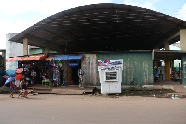 Comerciantes estão abandonando feira. Fotos: Fernando Santos