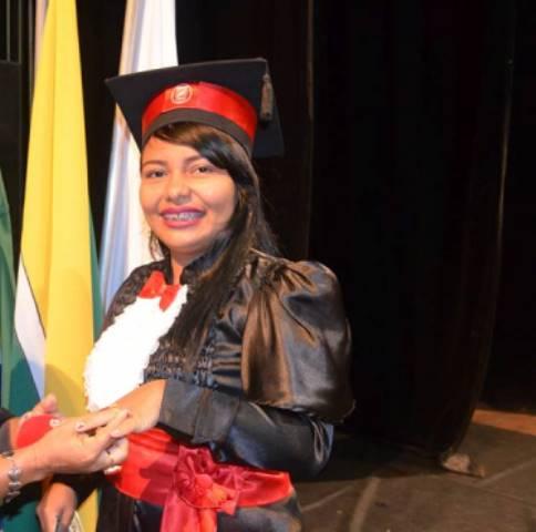 Maria acabou de se formar em jornalismo na Unifap. Fotos: arquivo familiar