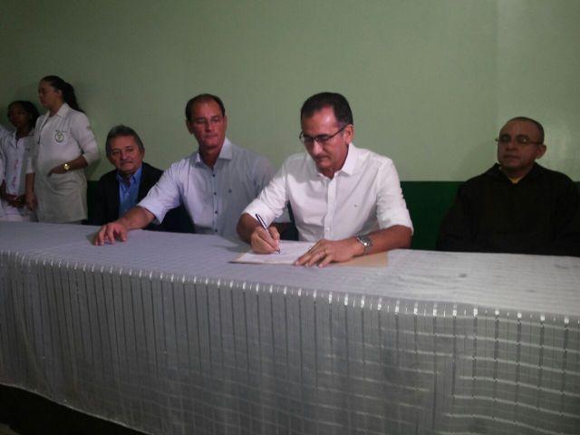 Reativação da parceria entre Capuchinhos e Governo foi confirmada na manhã desta terça-feira, 28. Fotos: Cássia Lima