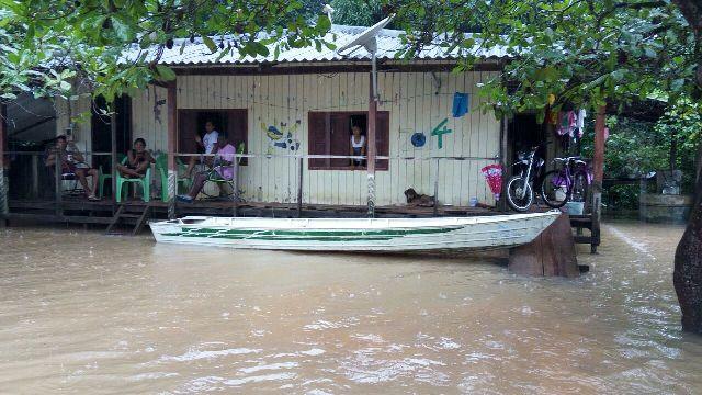 Cerca de 190 casas já foram afetadas