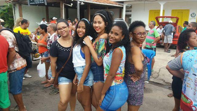 Brincantes aproveitaram o último grito de carnaval deste ano