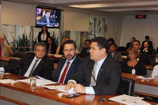 Depois do encontro, Davi foi para a comissão mista oficializar o pedido de reconsideração do texto final da MP