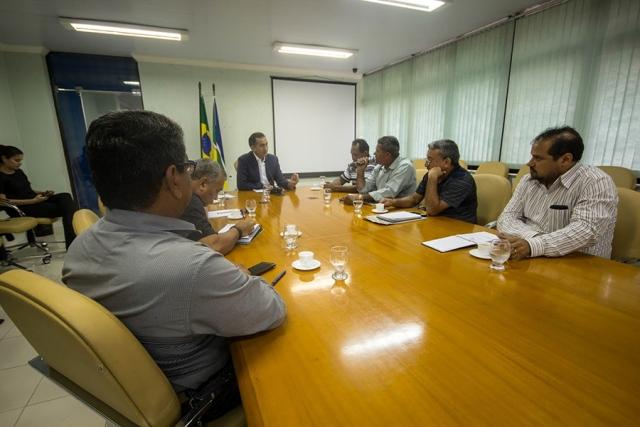 Encontro de representantes da categoria com o governador, Waldez Góes. Foto: Wenndel Paixão (Secom/divulgação)