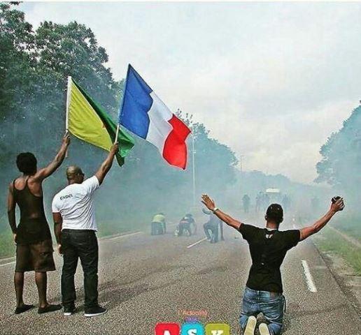 Protestos tomaram conta do departamento francês que faz fronteira com o Amapá nas últimas semanas