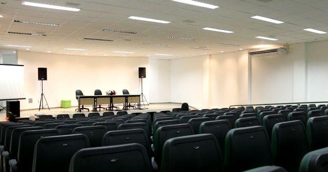 Auditório recebeu novos móveis
