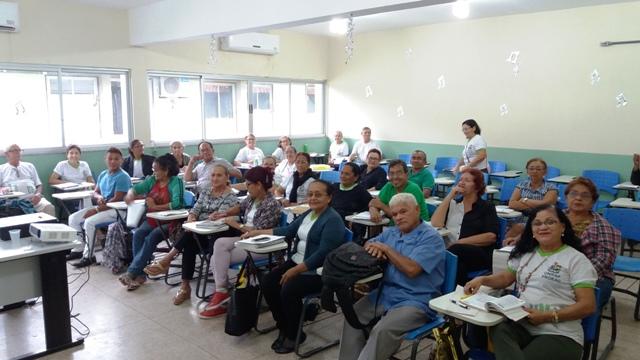 """Sala de aula do projeto """"Universidade da Maturidade"""" da Unifap"""