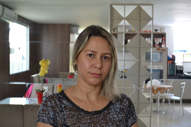 Regilene Gurgel: aluguel e escola atrasados há 3 meses. Foto: Seles Nafes