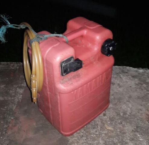 Carote de combustível salvou os dois durante algumas horas