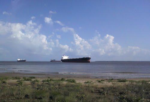 Navios têm capacidade para 40 mil metros cúbicos de combustível