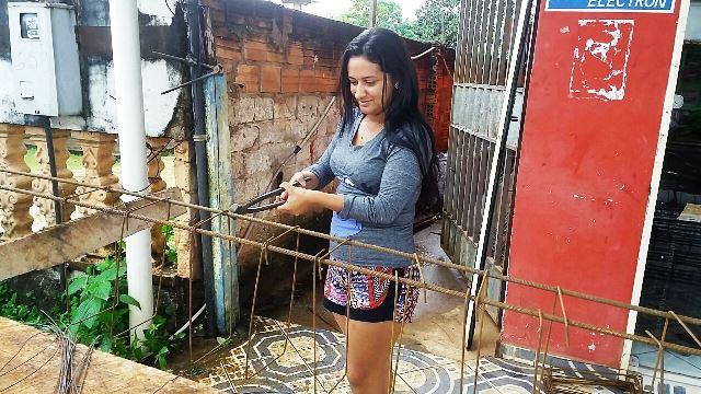 Tâmara Pereira 26 anos ajudante de ferragem