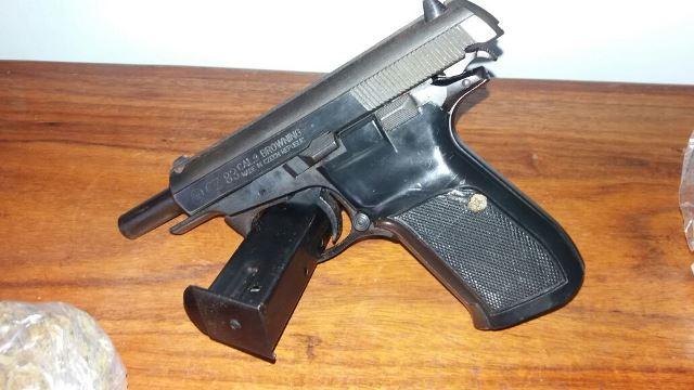 Pistola 380 de origem tcheca...