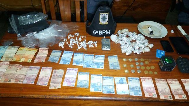 No total, mais de meio quilo de crack. Fotos: Olho de Boto
