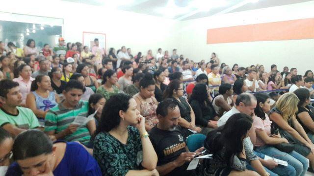 Auditório não comportou por mais de 900 moradores