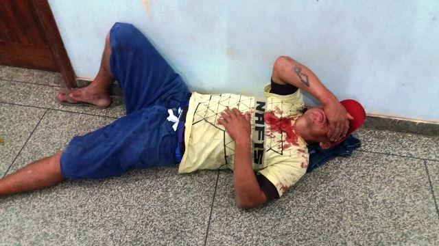 Ladrão foi levado pelos policiais militares para a UPA