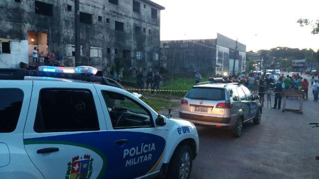 Homicídio ocorreu no cruzamento da Avenida General Osório com Hamilton Silva. Fotos: Olho de Boto