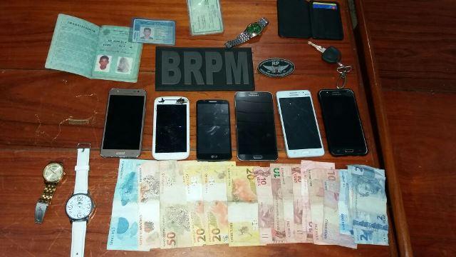 Policiais recuperaram todos os objetos roubados. Fotos: Olho de Boto