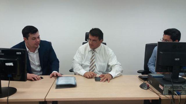 Acácio Favacho e o juiz federal João Bosco Soarea: sede atual está no limite. Fotos: André Silva