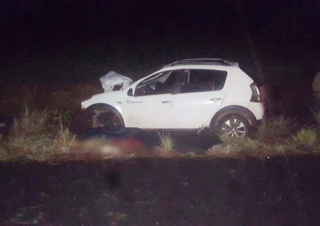 Corpos foram projetados para cima do motorista do Sandero que ficou gravemente ferido. Corpo ficaram dilacerados. Fotos: PRF/Divulgação