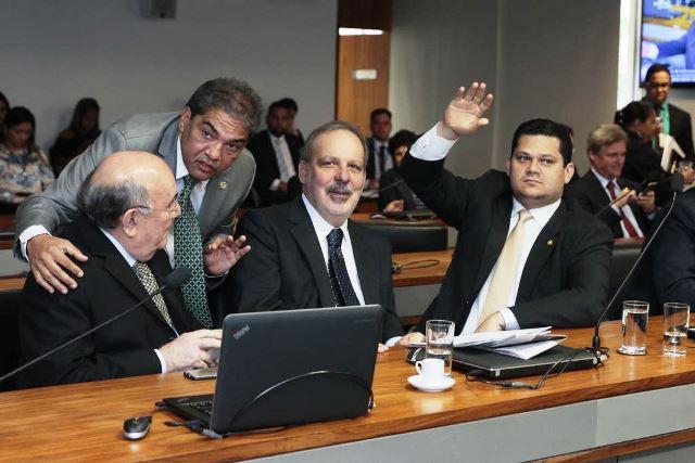 Davi teve mais apoio, o que forçou a retirada da candidatura rival. Foto: Ascom
