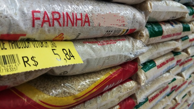Preço da farinha em um ano subiu cerca de 30%. segundo o Dieese