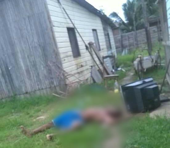 Rapaz foi morto com golpes de barra de ferro. Fotos: Olho de Boto